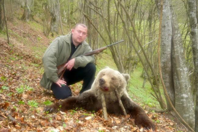 [Image: lov-medvjeda-bosna-hercegovina-1-650_650_434.jpg]